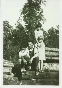 Harry, Mont, Sybil, & Betty behind her